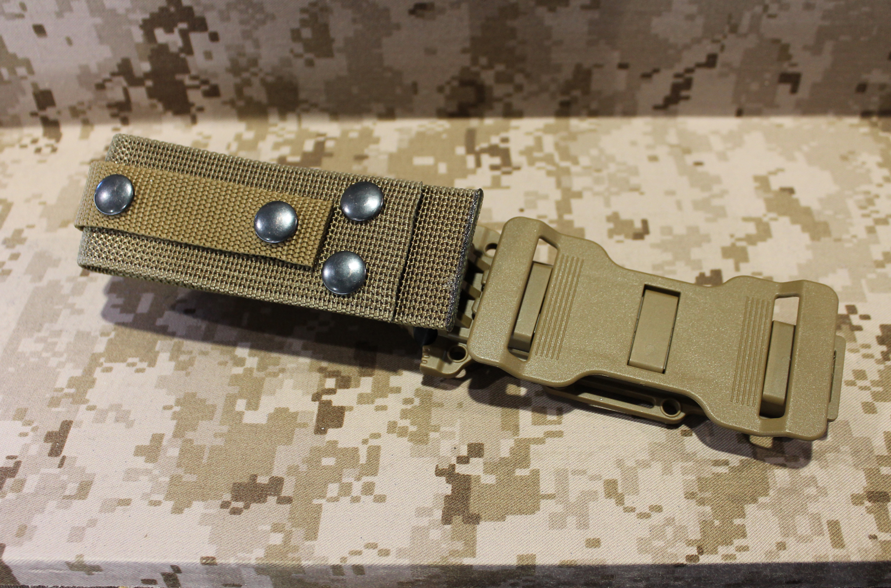 Sideways belt knife sheath